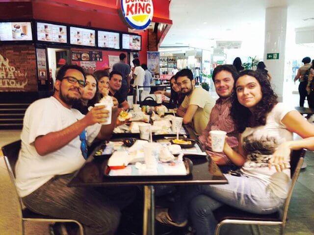 Afirma participa de pesquisa de marketing do Burger King